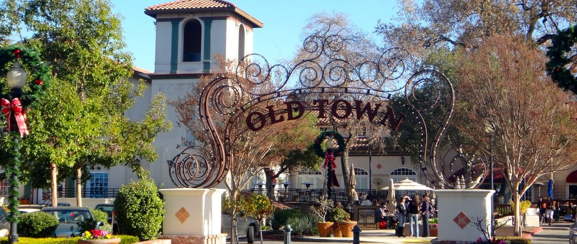 Visiting Los Gatos Welcome to Los Gatos, an amazing place to visit for the day, weekend, or even longer! Visitors can shop and dine at some of the best locations the Bay Area has to offer, stroll down the friendly streets of our historic and charming Downtown, enjoy the natural beauty of our many parks or famous Los Gatos Creek Trail, or take advantage of the fun and engaging events that take place year round.